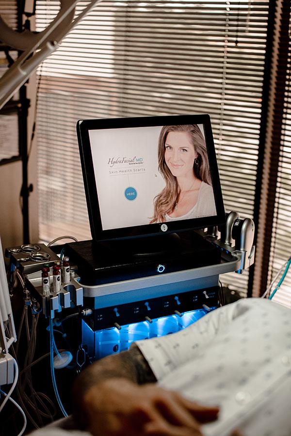 Woman getting Hydrafacial at Gleam Medical Spa in Denver Colorado